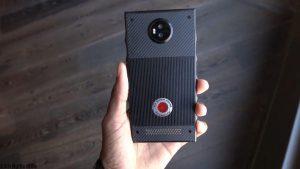 smartphone-hydrogen-one-dien-thoai-den-tu-tuong-lai-hinh-1