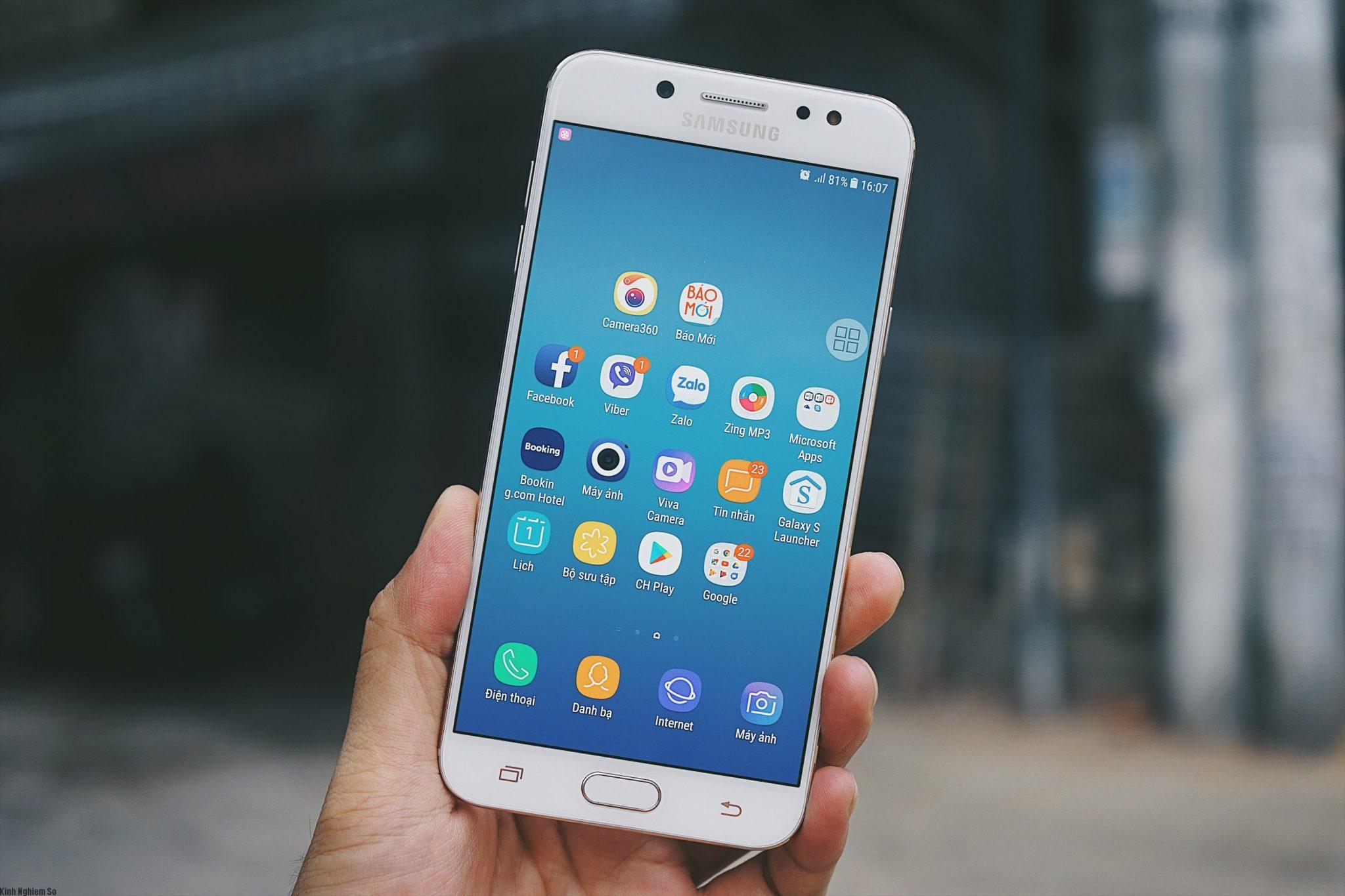 Đánh giá chiếc điện thoại Samsung Galaxy J7+ tầm trung có camera kép