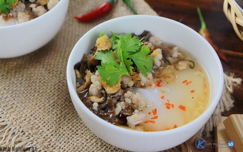 Món ăn ngon bánh đúc nóng ở Hà Nội