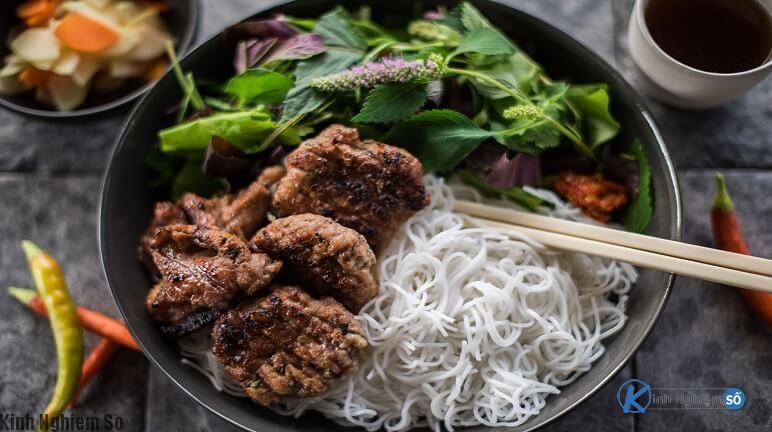 Món ăn ngon bún chả Hà Nội