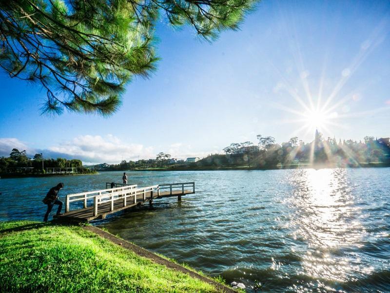 Kinh nghiệm du lịch khám phá Đà Lạt tự túc tại hồ Hồ Xuân Hương