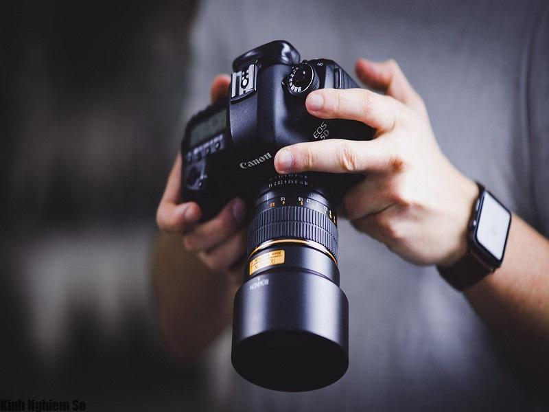 Bỏ túi kinh nghiệm mua máy ảnh du lịch tốt nhất hiện nay hình 1