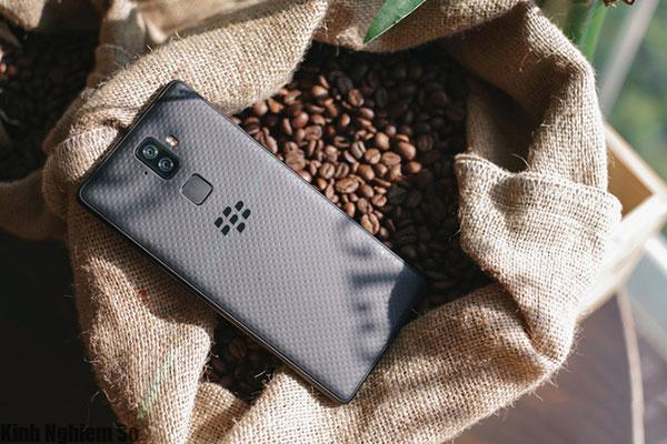 Blackberry Evolve ra mắt tại Việt Nam: Chip Snapdragon 450, giá 8 triệu đồng hình 1