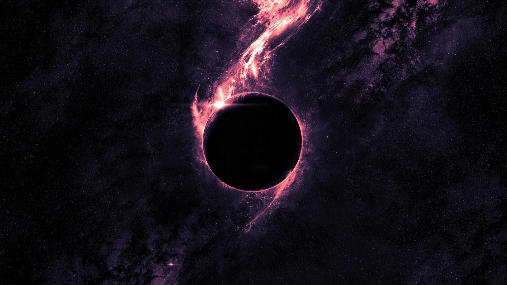 Không có gì bất thường, chỉ là một bức ảnh được chỉnh sửa khá công phu về hiệu ứng màu sắc giống một ngôi sao nào đó trong bối cảnh vũ trụ ...