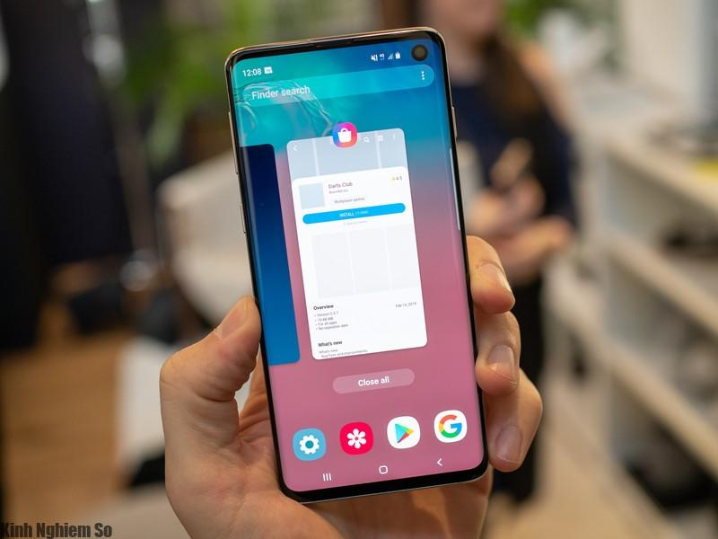 Những chiếc Samsung Galaxy S10, thế hệ độc nhất đến tay người dùng