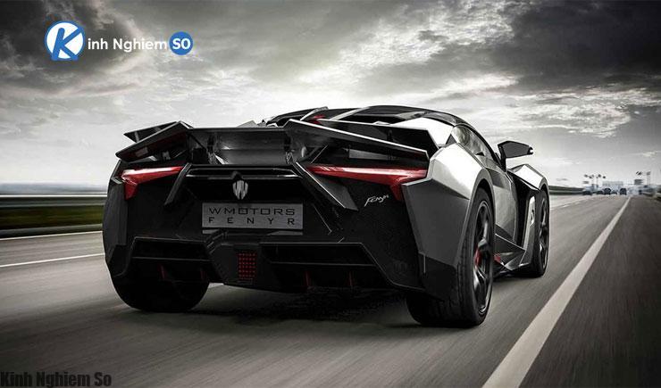 Doanh nhân giàu có chi tới 7.5 triệu USD mua 5 siêu xe hình 2