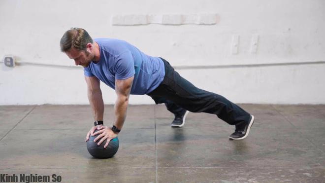 Rèn luyện thể lực trong bóng đá